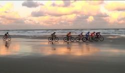 Thijs Zonneveld en Yvonne de Jong winnaars laatste beachbike-tour
