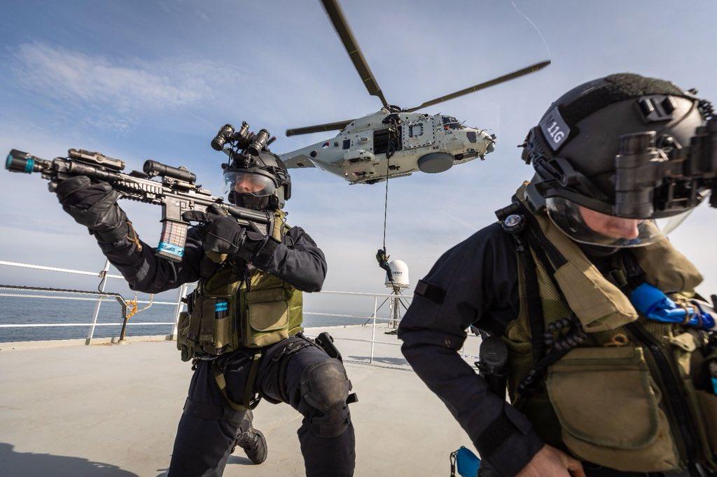 Passagierschip ontzet tijdens Port Defender