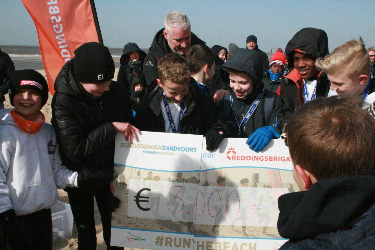 Reddingsbrigade ontvangt € 3.000,- van Scheveningen Zandvoort Marathon