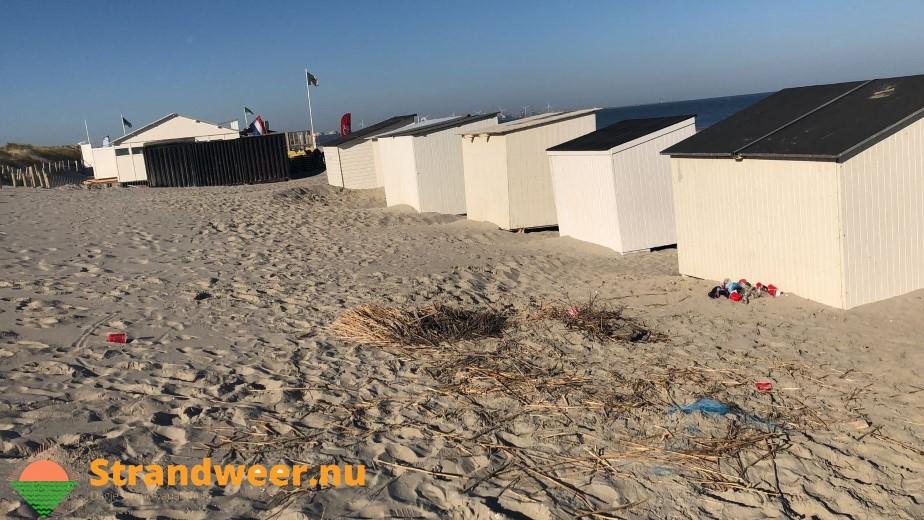 Inventaris strandpaviljoen goed voor kampvuurtje