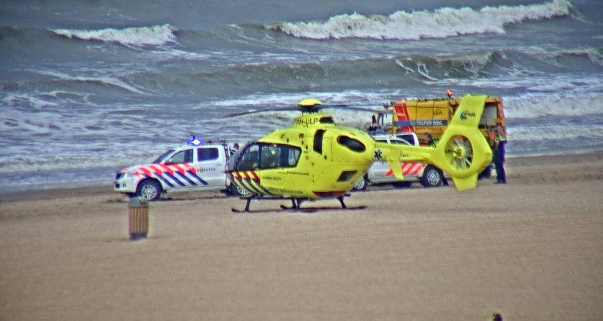 Traumahelikopter en SAR heli ingezet in Scheveningen