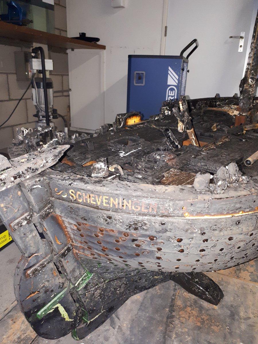 Gestolen Bomschuit in brand gestoken