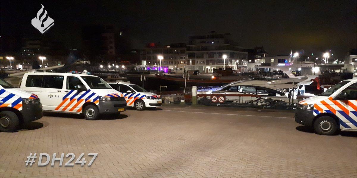 Politie controleert jachten in Scheveningse haven