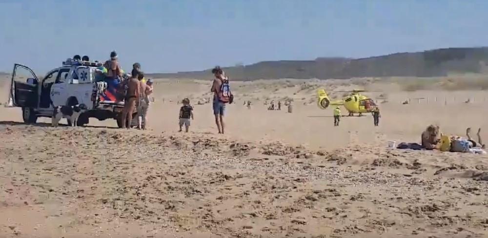 Kind onwel op Scheveningse strand