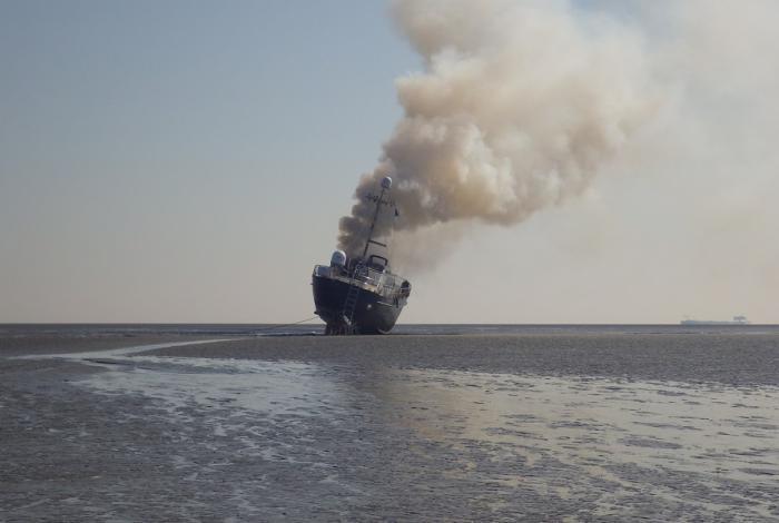 Motorjacht total loss na brand op Westerschelde