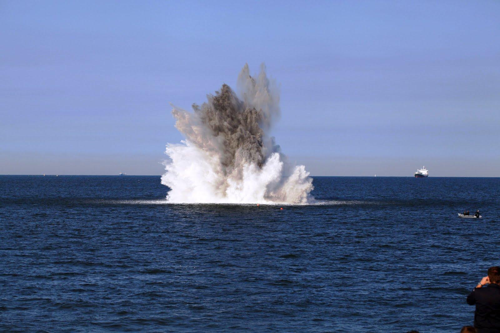Ruiming 700 kilo zeemijn in de Noordzee