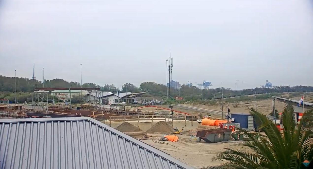 Metro bij webcam Hoek van Holland voortaan in zicht