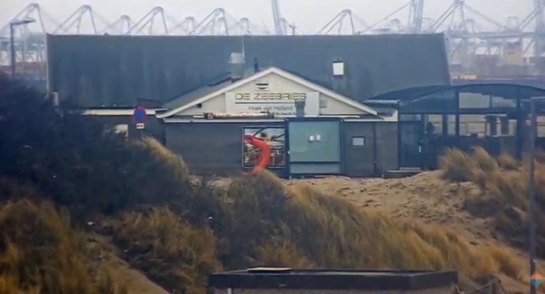 Middelbrand bij strandpaviljoen Zeekant