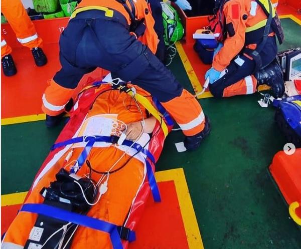 Medische evacuatie na val van hoogte