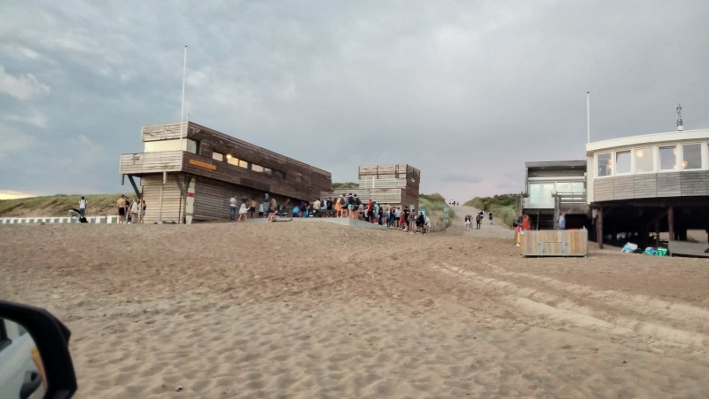 Gemeente en politie pakken jeugdoverlast op strand aan