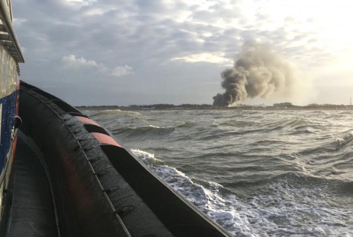 Waterlevering voor brand op strand