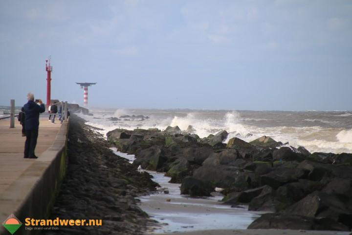 Woensdag westerstorm aan zee