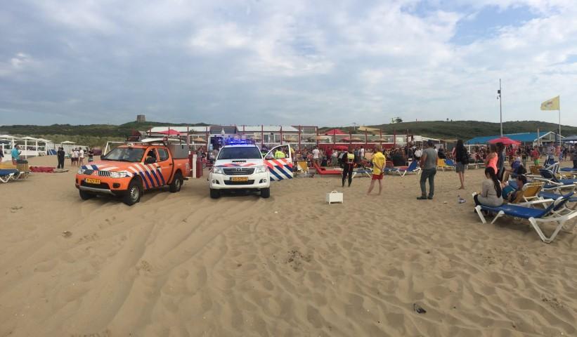 Medische noodsituatie strandslag Kijkduin