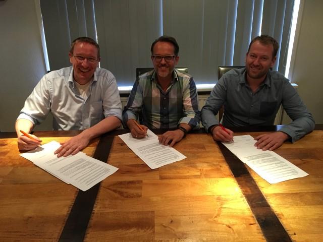 Reddingsbrigades Den Haag en Westland tekenen samenwerkingsovereenkomst