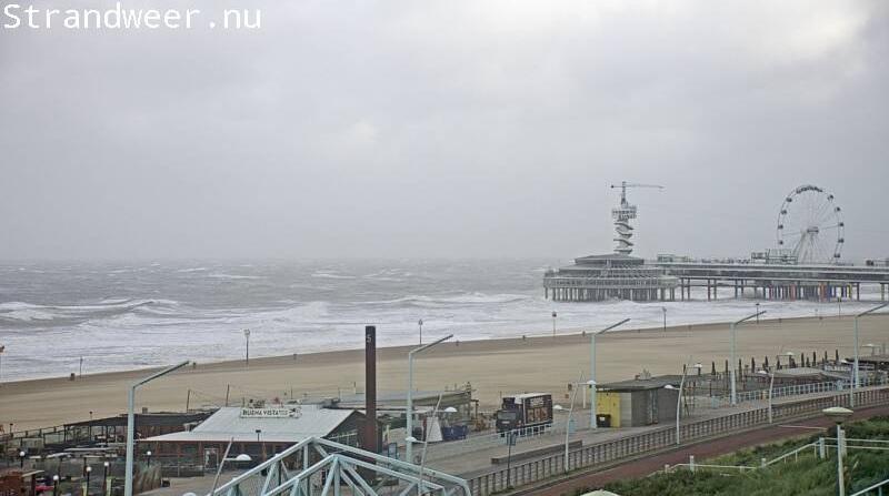 Zwaar stormweer aan het strand