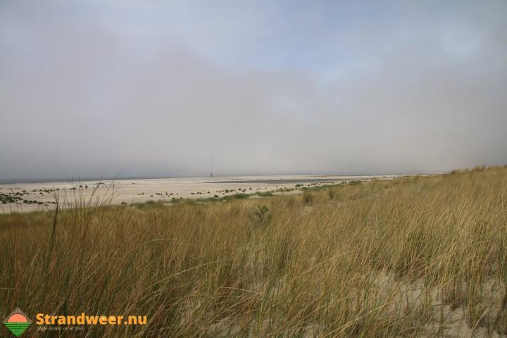 Onstuimig strandweer voor dinsdag 6 juni