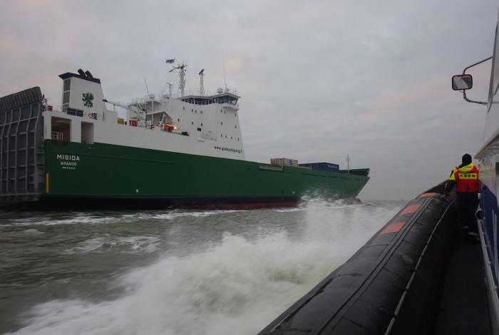 Medische evacuatie vanaf Fins vrachtschip