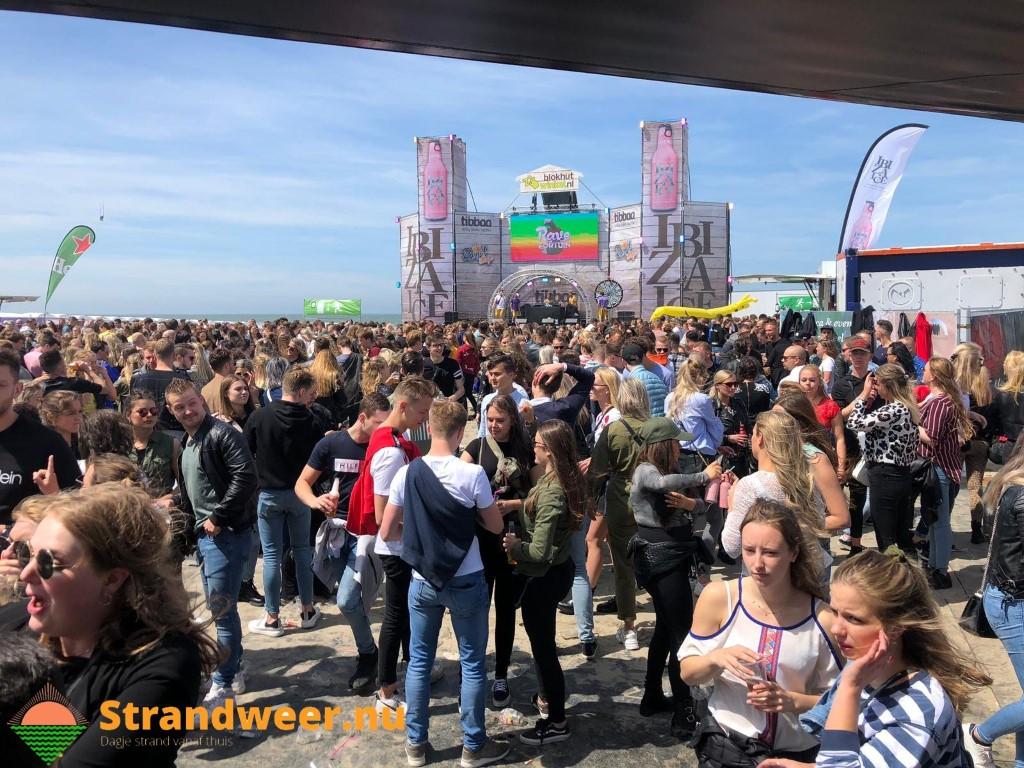 Opening strandseizoen Hoek van Holland in goede sfeer verlopen