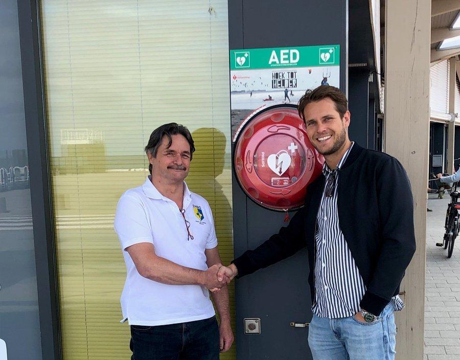AED 's voor Hoekse en Westlandse strand