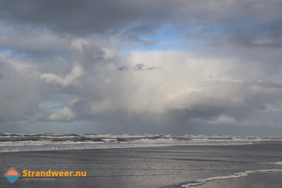 Onstuimig strandweer verwacht voor zondag