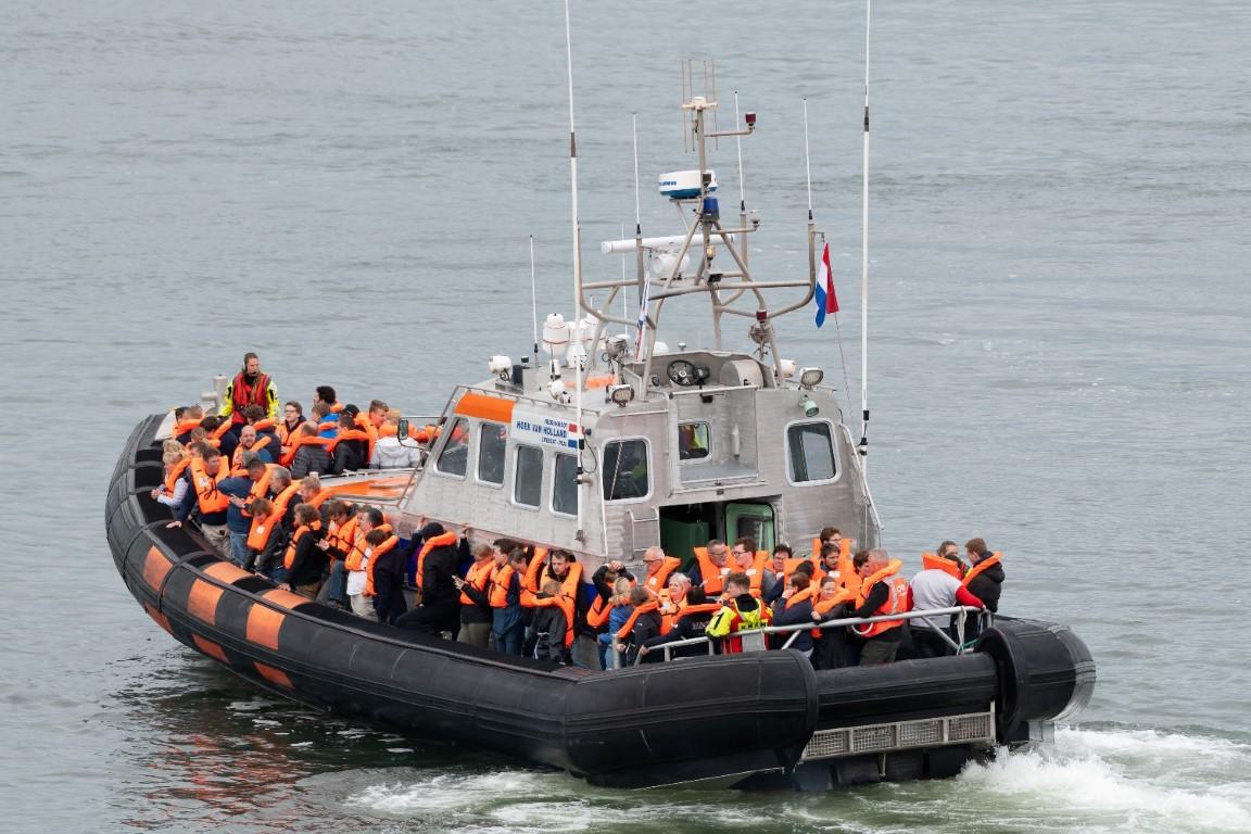 Honderden passagiers geëvacueerd van ferry