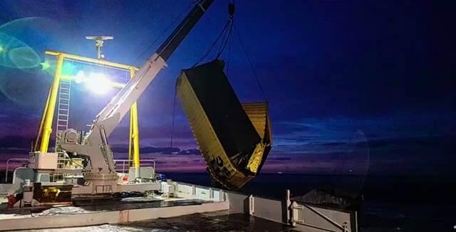 Rijkswaterstaat start grootschalige berging zeecontainers