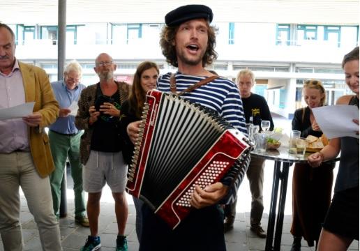 Met Plastic Soep-liederen opent Juttersgeluk haar nieuwe atelier