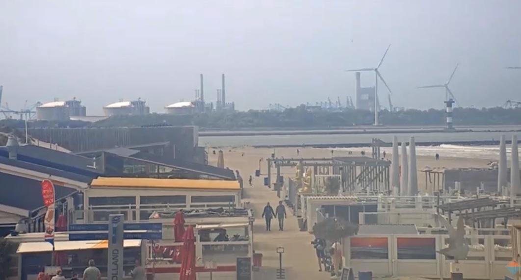 Rotterdam sluit parkeerplaatsen bij strand Hoek van Holland