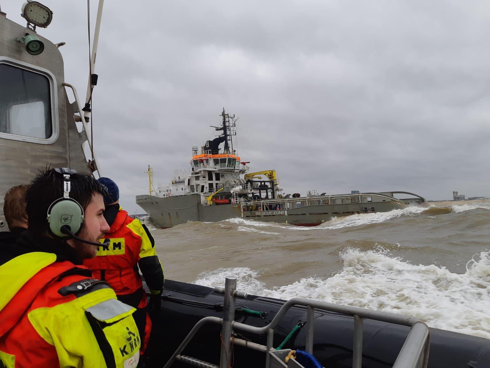Stormachtige medevac bij havenmond Waterweg