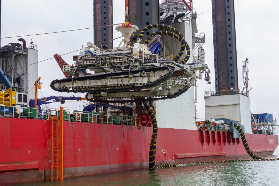 Deep Dig-It trencher voor zeekabels windparken op zee