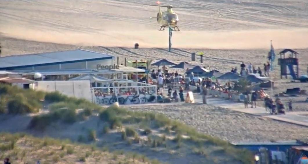 Drukke stranddag voor de hulpdiensten