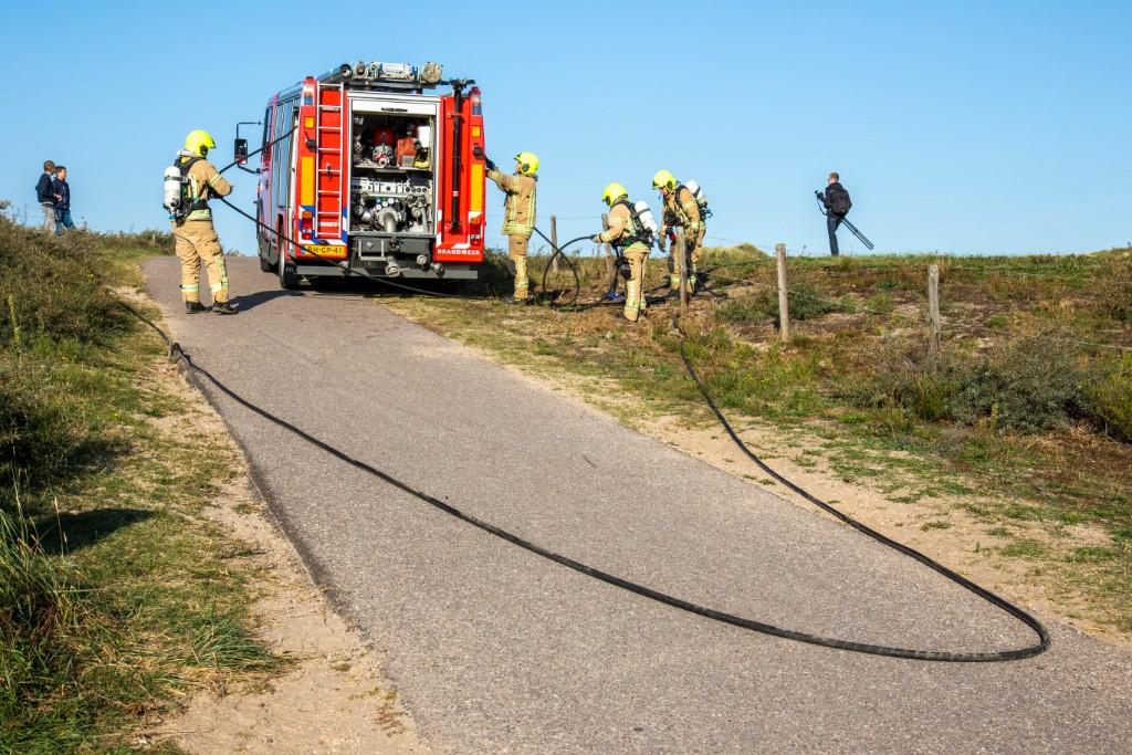 Brandweer pakt groots uit bij duinbrandoefening in Ouddorp