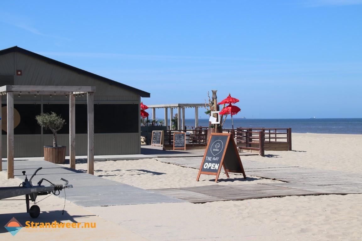Strandpaviljoens in Westland mogen blijven staan deze winter