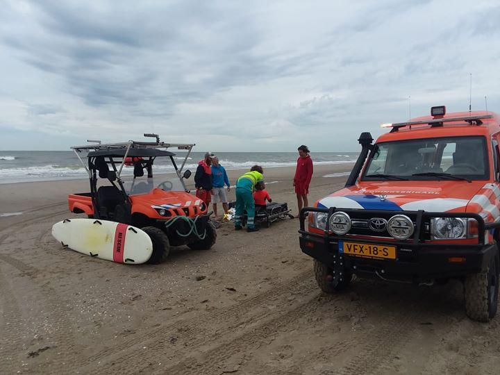 Meisje gewond na duik op zandbank