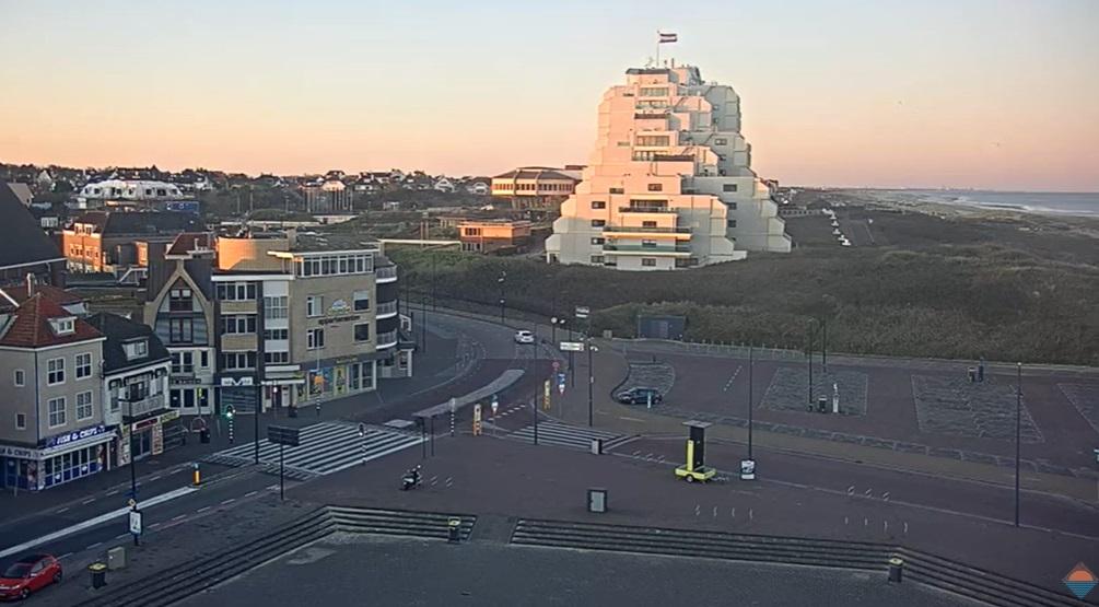 Mooi lenteweer. Kom niet naar de kust van Noordwijk!