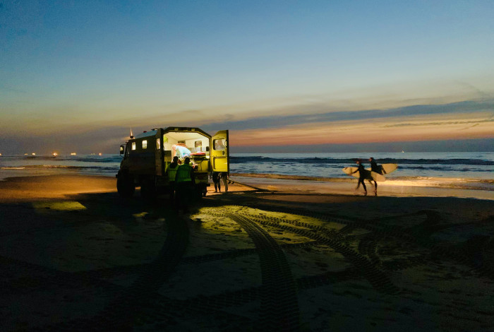 Golfsurfer gewond na val op zandbank