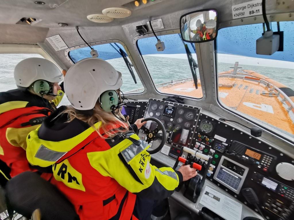 Vaartuig met problemen op zee