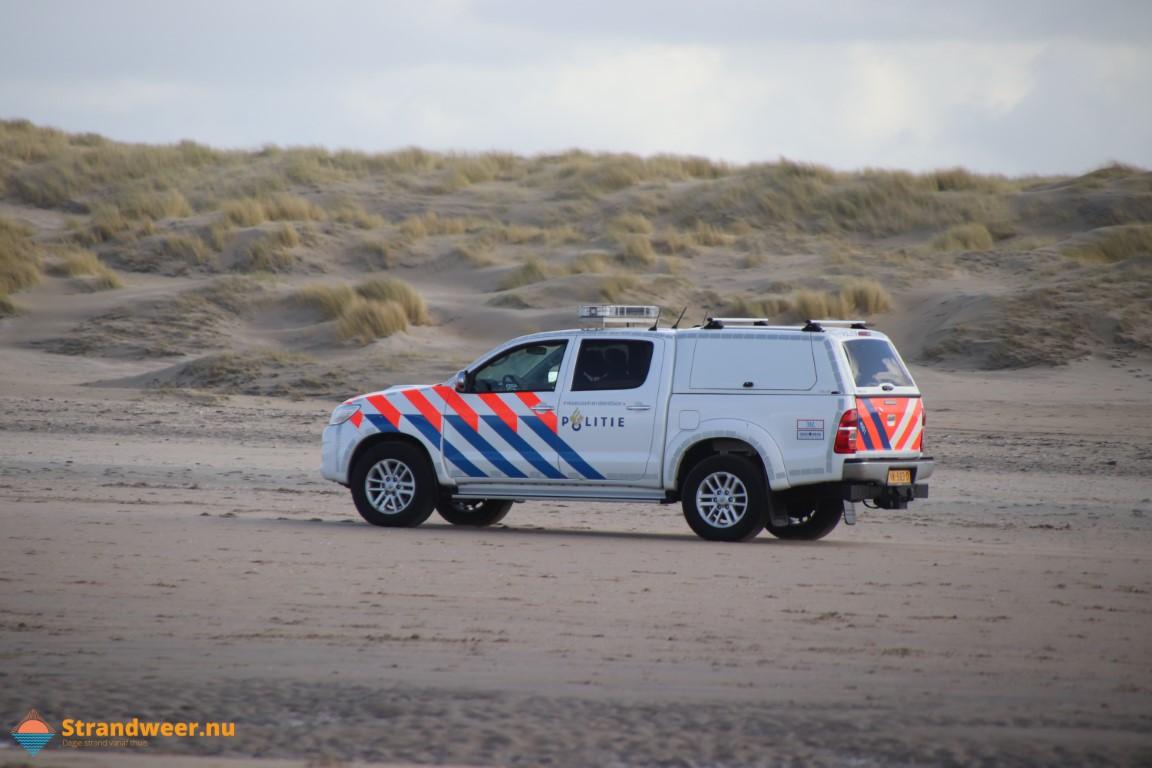BOA 's belaagd op het strand bij IJmuiden