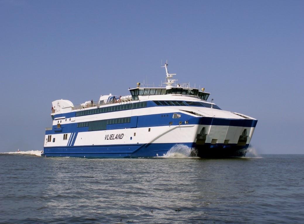 Veerboot slaat lek tijdens vertrek