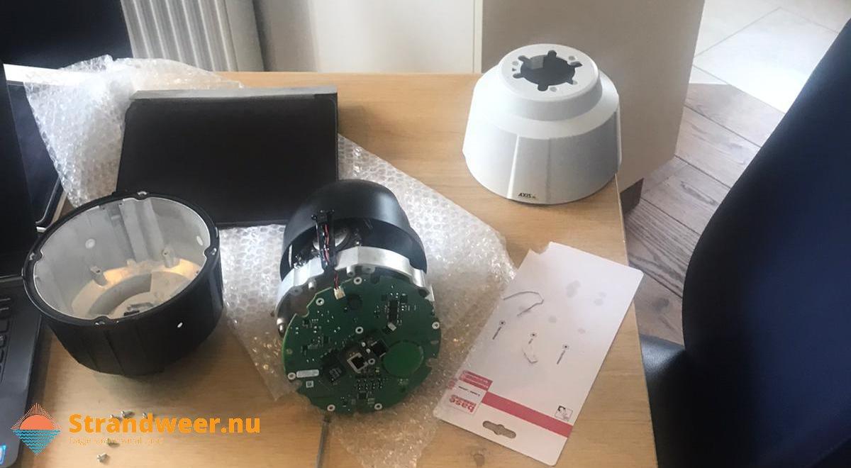 Onderhoud aan webcam Hoek van Holland