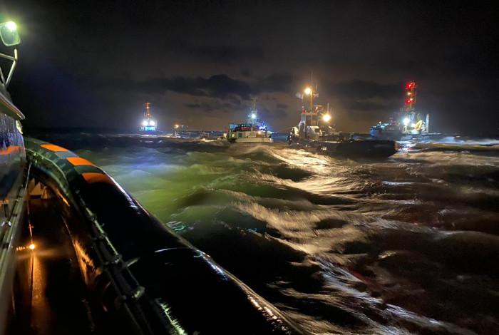 Binnenvaartschip in problemen op Westerschelde